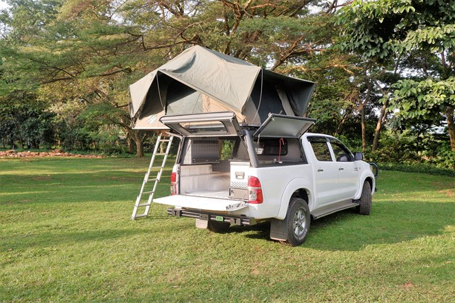 Roadtrip Kenya's car for rent: the Hilux is a perfect car to take out on a bush camping trip